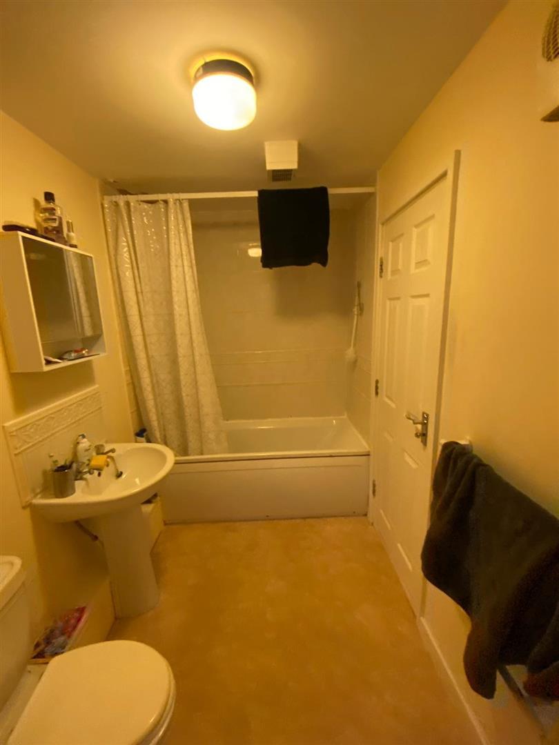 2 Bedroom Block Of Flats For Sale - 15.jpg
